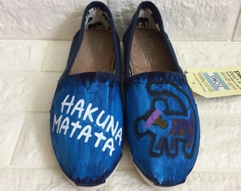Lion King Toms. Simba Toms. Lion King Shoes. Hakuna Matata Toms. Can be made in Lion King Vans or Lion King Converse.