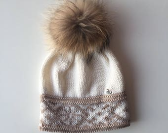 Beige white winter hat Merino wool hat Warm winter hat natural fur pom pom hat Merino wool hat Winter beanie Warm winter hat Racoon fur pom