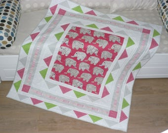 """""""Elephant parade"""" patchwork quilt for baby or child"""