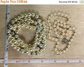 10% OFF 3 day sale Vintage Lot Of 2 Faux Pearl Necklaces Damaged Used