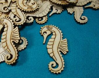 50 seahorses, wood, 5 x 2,5 cm (24-0025B50)