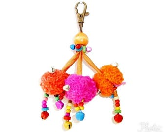 Pom Pom Zipper Pull / Key Chain Fair Trade - Thailand