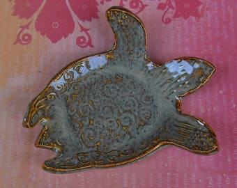 Turtle soap holder. Turtle spoon rest. Turtle ring holder. Sea turtle ring holder. Turtle dish. Turtle plate. Spoon rest. Ring holder