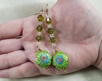 beaded jewelry,earrings,hypoallergenic,flowers,green,dark green,french hook earring,french hook earrings