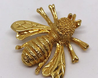 Sarah Coventry Signed Bumblebee Gold Tone Brooch/Pin/Pendant Free Shipping