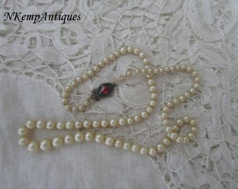 Antique pearl necklace  1910 needsa re-threading real silver clasp