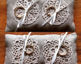 Ring pillows with crochet inserts