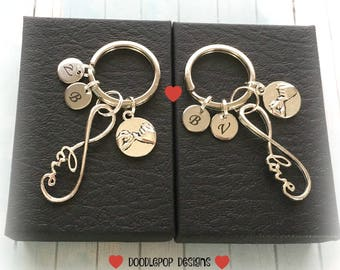 Personalised couple keyrings - Engagement gift - Infinity keychains - Valentine's gift - Wedding gift - Couple keyrings - Infinity keyrings