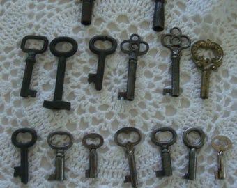 15 Vintage Barrel Keys