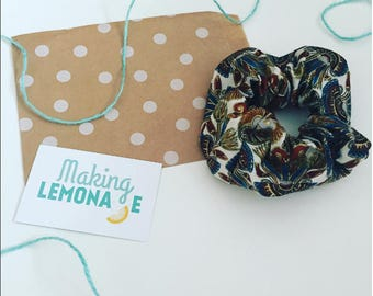 Autumnal scrunchie
