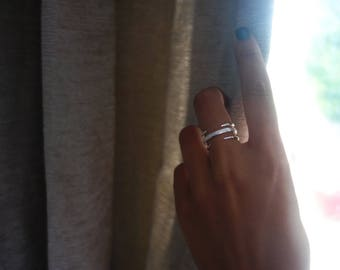 Ring semi open double claw and sterling silver plated Alpaca engraving