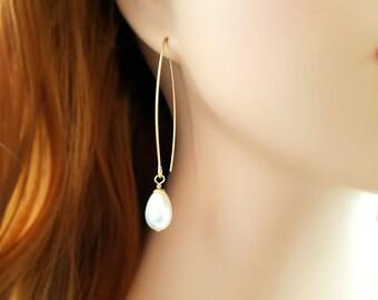 Cream Teardrop Pearl Earrings, Long Drop Pearl and Gold Earrings, Dangle Pearl Teardrop Kidney Earrings, Modern Pearl Earrings, E4233