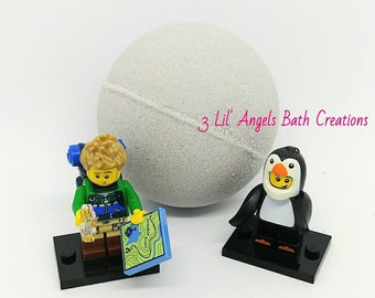 Lego Mini Figure Bath bomb, surprise toy bath bomb, bath bomb for kids, Surprise bath Bomb, fizzy bath bomb