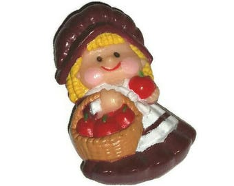 Vintage THANKSGIVING Pilgrim Girl Lapel Pin Red APPLE Harvest Fall Brooch Country Apple Fruit Basket Broach RUSS Jewelry Holly Hobbie Gift