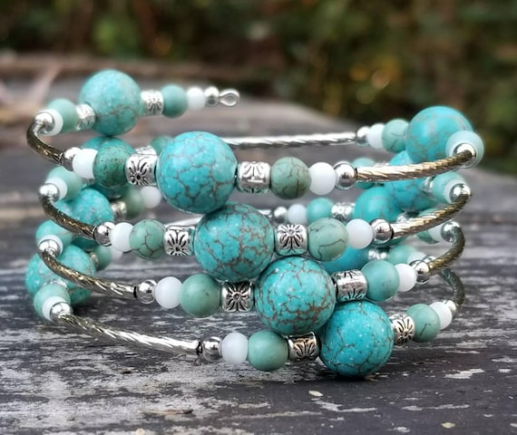 Nita's Pretty Rocks Memory Wire Bracelet (4 Loops)