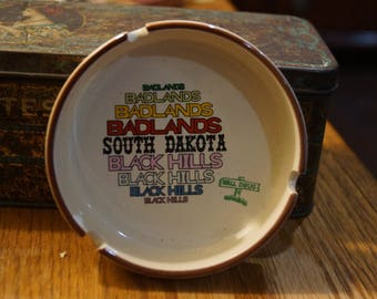 Vintage Badlands SOUTH DAKOTA Black Hills Ceramic Ashtray-Advertising-Wall Drug