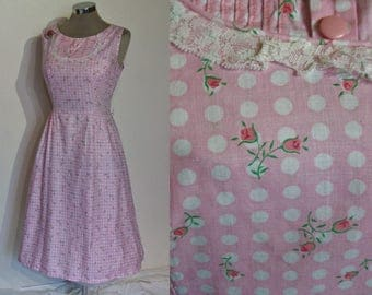 Adorable 1950s print cotton day dress w/ polkadots and rosebuds! bust 40""