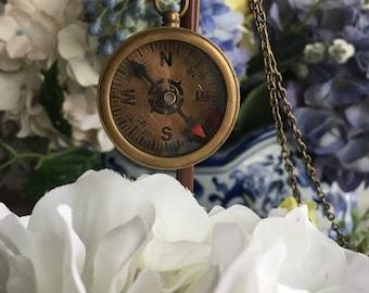 Compass necklace ~ Antique bronze ~ Vintage necklace