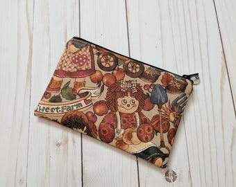 Country Doll Small Zipper Pouch