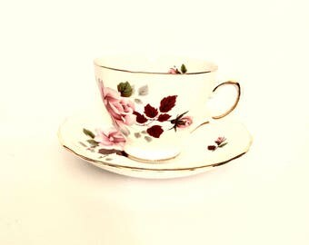 ROYAL VALE BONE China, Pink and Rose Flower Design English Bone China Tea Cup & Saucer
