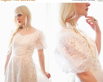 BIG SALE Vintage 1990s does 1970s prairie gunne sax style ivory cream lace wedding dress with satin ties puffy short sleeves