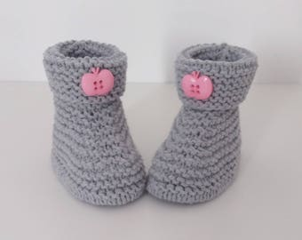 Baby birth in 12 woolen hand-knitted months let us let us put on bootees intoxicates
