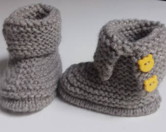 Handmade wool knit booties for newborn to 12 months baby Earth