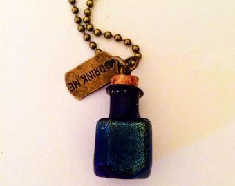 Alice in Wonderland Magic Potion Blue Dream