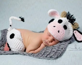 Crochet Cow Newborn  Photography Prop/Infant Halloween Costume/Baby Shower Gift/Photography Prop/Farm Cake Smash/Cow Cake Smash