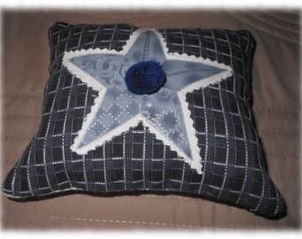 Small star cushion