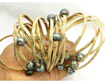 4.5 mm or 6.5 mm 14k Gold filled Hawaiian Heirloom Jewelry Style bangle bracelet with Tahitian pearl