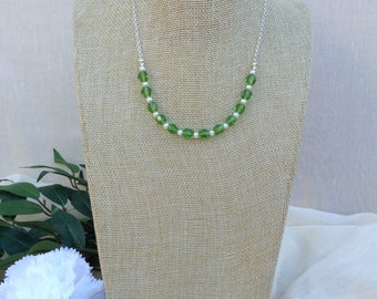 Green  Crystal and Pearl  Necklace.    Summer Necklace