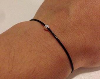 Sliding black leather 1 925 Silver pearl bracelet