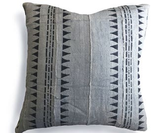Authentic Mudcloth Pillow Cover, Mali Bogolan, Gray / Grey, Black, Triangles, Dashed Lines