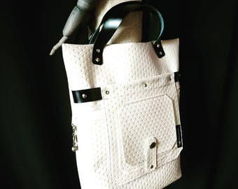 Chic bag in the fine Chesterfielddesign