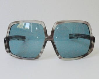Georgeous Big Gray 70s Vintage Sunglasses With Blue Glasses // Made In Italy