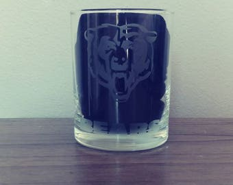 Chicago bears whiskey glass/customizable NFL teams/etched glass/NFL glass