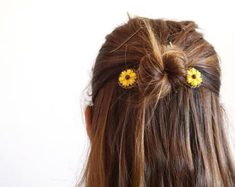 Sunflower bobby pins Yellow Flower bobby pins Hair accessories for short hair pins for wedding hair piece Boho Bridal hair Brass bobby pins