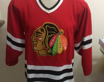 Vintage Chicago Blackhawks hockey jersey Size Small CCM maska