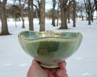 Green botanical bowl