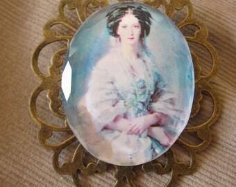 Countess brooch