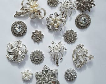 Lot of 15 assorted broochs/assorted brooches/brooch/bouquet supply/rhinestone crystal brooch/wedding