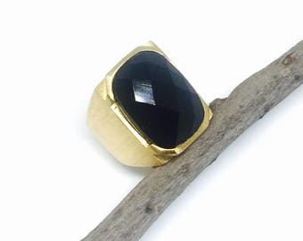 Black obsidian ring set in sterling silver 925. Size 8 & 8.5. Gold vermeil on sterling silver. Natural authentic stone
