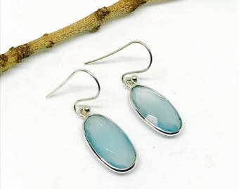 Chalcedony earring set in sterling silver 925. Natural authentic stones.
