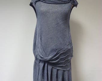 Sale. Feminine blue jeans coloured linen dress, L size. Only one sample.