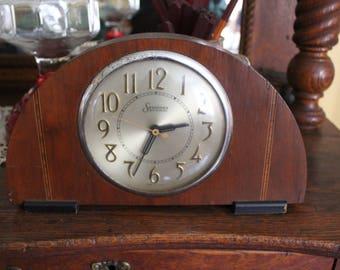 Vintage Mantle Clock, Art Deco Mantle Clock, Sessions Mantle Clock, Vintage Clock in Wood Case, Self Starting Clock, Electric Clock