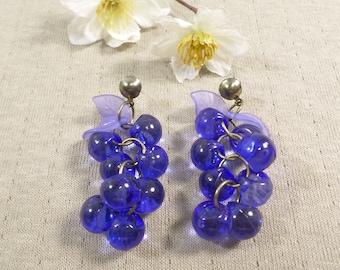 Beautiful Vintage Pair Of Lucite Cluster Beaded Pierced Earrings  DL#3353