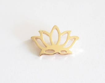 Charm / connector brass 17x11mm lotus flower