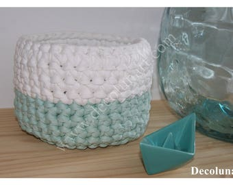 Trash basket trapilo aquamarine and white minimalist sleek crocheted