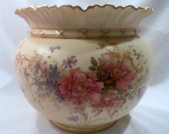 Antique Royal Worcester Porcelain Jardiniere, Blush Ivory with Hand-Painted Wildflowers